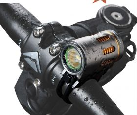 Hi-Tech LED  Bike light CREE XM-L T6 900lm incl. 4800mAh battery, silicon rings and charger